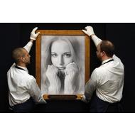 Онлайн фотоэффект - старинная картина, опрятно держат на руках